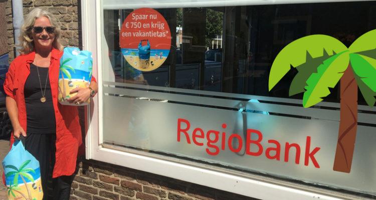 Caroline Van Regiobank Rijnsburg  Vertelt Over De Zomeractie.
